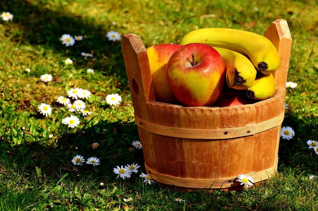 Balaststoffe-Bananen-Äpfel-Kräuter